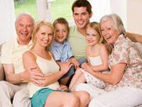 Семейное фото как обрамление интерьера