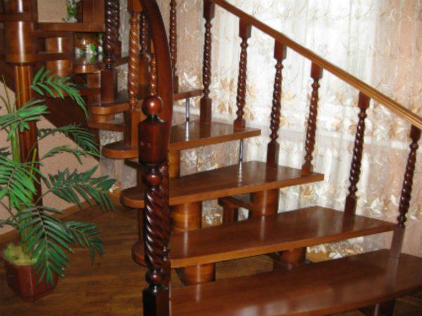Цена на деревянные лестницы