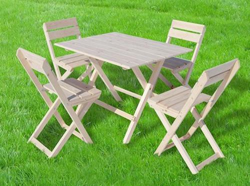 Первые столы, стулья и кресла