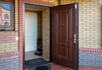 Способы утепления уличных стальных дверей