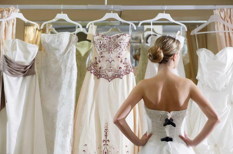 Выбор материала для свадебного платья